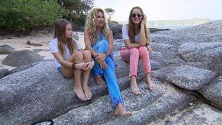 Carmen möchte auf Phuket ihr neues Musikvideo drehen bei TV NOW