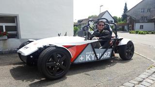 Daniel Abt testet die verrücktesten Elektroautos bei TV NOW