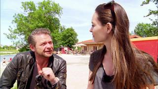 Isabel sucht ein perfektes Cabriolet bei TV NOW