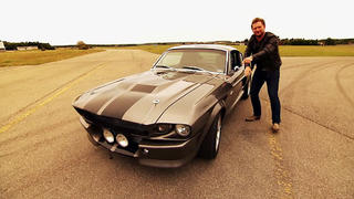 Ford Mustang gegen SLS AMG Roadster