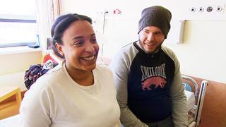 Louisa und Daniel warten  auf die Geburt ihres Kindes