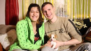 Sascha und Angelique sind arbeitslos und werden Eltern bei TV NOW