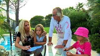 Eine Millionärsfamilie macht Urlaub bei TV NOW