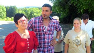 Sükrü und Ramona zu Besuch bei Erika