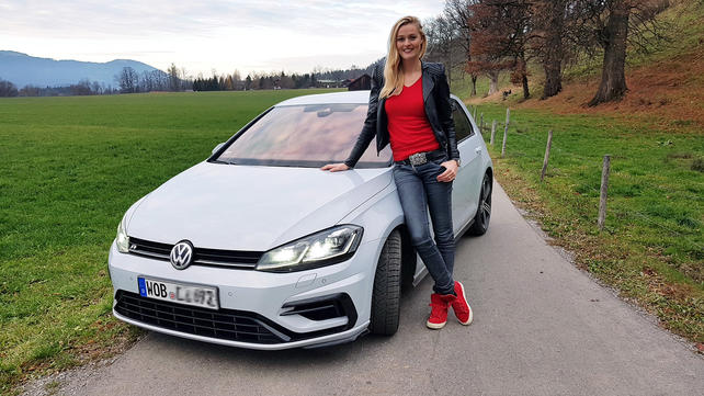 GRIP - Das Motormagazin: Miriam Höller testet den VW Golf R