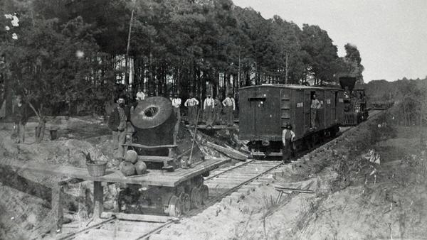 Geheimwaffe auf Schienen - Züge des Grauens