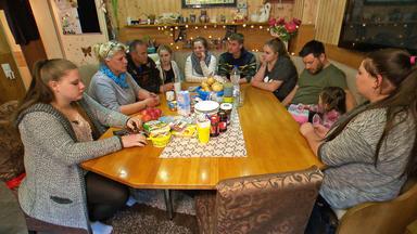 Die Wollnys - Eine Schrecklich Große Familie! - Lavinia Rebelliert Gegen Mama & Co!