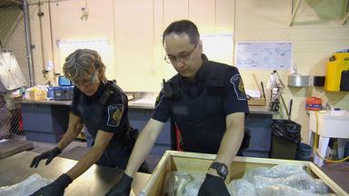Border Patrol Canada - Einsatz An Der Grenze - Ein Koffer Voller überraschungen
