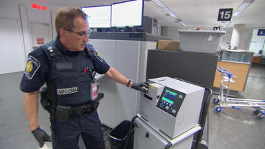 Border Patrol Canada - Einsatz An Der Grenze - Kaffeemühlen Aus China