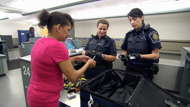 Border Patrol Canada - Einsatz An Der Grenze - Marihuana Im Bh