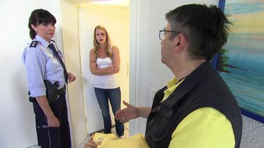 Verdachtsfälle Spezial - Postbote Meldet Weinende Frau