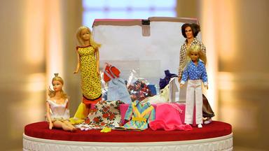 Die Superhändler - 4 Räume, 1 Deal - Eisenbahnlampe \/ Barbie Konvolut