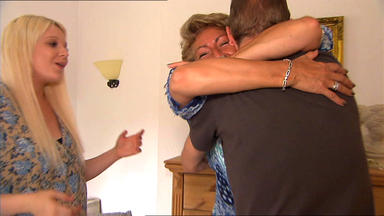 Familien Im Brennpunkt - Opas Sparbuch Treibt Geldgierige Ehefrau Zur Weißglut