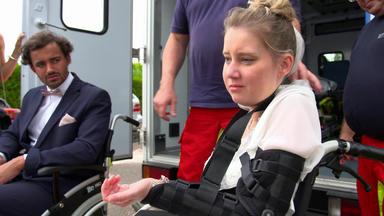Meine Geschichte - Mein Leben - Rollstuhlfahrerin Wird Während Der Trauung Angegriffen
