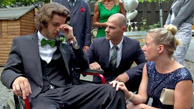 Meine Geschichte - Mein Leben - Rollstuhlfahrer Wartet Vergeblich Auf Seine Braut