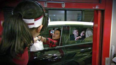 Verdachtsfälle - 17-jährige Wird Auf Der Autorückbank Bedrängt