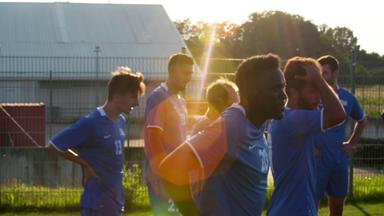 Fc Arbeitslos - Zurück Ins Große Spiel - Scouts, Spielerberater Und Sportmanager