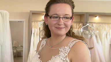 Zwischen Tüll Und Tränen - Kindheitstraum Brautkleid