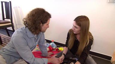 Familien Im Brennpunkt - Vater Setzt Seine Ehe Für Ein Dunkles Familiengeheimnis Aufs Spiel