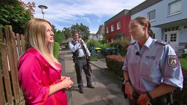 Die Straßencops - Jugend Im Visier - 19-jährige Von Nacktem Stalker Belästigt - Babysachen Im Supermarkt