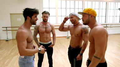 Ausgezogen - Die Stripper-wg - Chris Bereitet Sein Team Auf Die \