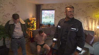Die Wache Hamburg - Familienexistenz In Gefahr - Frau Wird Gewaltverbrechern Ausgeliefert - Beinahe-sex Auf Dem Streifen