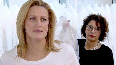 Zwischen Tüll Und Tränen - Ein Kleid Für Die Erneuerung Des Ja-wortes