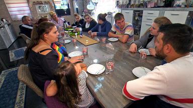 Die Wollnys - Eine Schrecklich Große Familie! - Herzinfarkt Im Familienurlaub