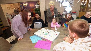 Die Wollnys - Eine Schrecklich Große Familie! - Eine Babyparty Für Calantha