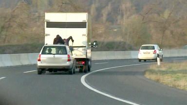 Schneller Als Die Polizei Erlaubt - überfall Auf Der Autobahn