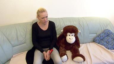 Verdachtsfälle - Kinder Verzweifeln An Affenliebe Ihrer Mutter