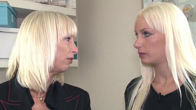 Mieten Kaufen Wohnen - Blondes Duo Mit Ungewöhnlichen Sorgen