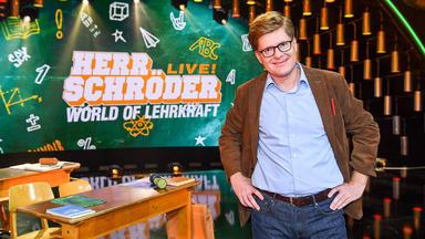 Herr Schröder Live! - World Of Lehrkraft