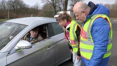 Schneller Als Die Polizei Erlaubt - Mit Vollgas über Die Autobahn, Das Wird Teuer ...