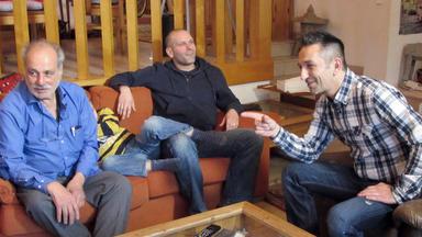 Der Trödeltrupp - Mauro Hilft Wagdi Beim Verkauf Seiner Sammlung