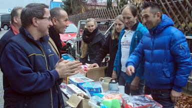 Der Trödeltrupp - Mauro Hilft Armin Beim Entrümpeln Seiner Lagerhalle.