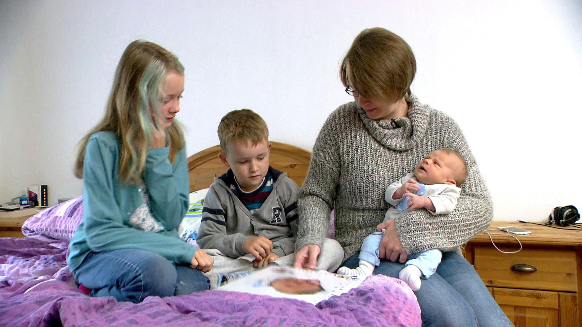 Beim neuen Geschwisterchen steht die Familie Kopf   Folge 1