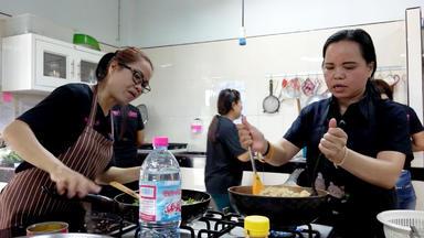 Die Alltagskämpfer - Überleben In Deutschland - Lebensabend Im Paradies - Rentner In Thailand