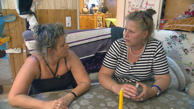 Die Wollnys - Eine Schrecklich Große Familie! - Mama Silvia Bekommt Eine Haushaltshilfe