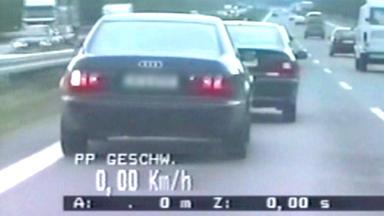 Schneller Als Die Polizei Erlaubt - Drängler-kontrolle Auf Der A13