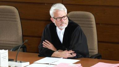 Gerichtsreport Deutschland - Passanten Wegen Unterlassener Hilfeleistung Angeklagt!