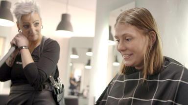 Einfach Hairlich - Die Friseure - Haarkünstler Am Werk