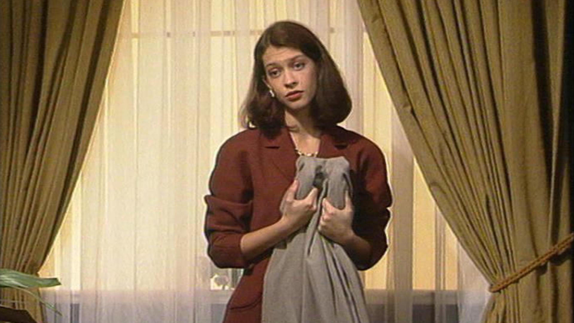 Tina fühlt sich unwohl in der Rolle als Hausfrau. | Folge 442
