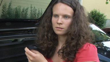 Familien Im Brennpunkt - 18-jährige Entdeckt Familiengeheimnis