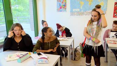 Krass Schule - Die Jungen Lehrer - Der Aggressive Vater!