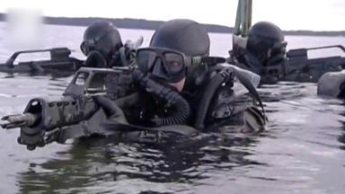 Die Marine-taucher - Profis Unter Wasser - Die Marine-taucher - Profis Unter Wasser
