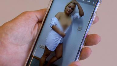 Krass Schule - Die Jungen Lehrer - Schülerin Macht Nacktfotos?