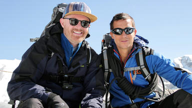 Bear Grylls: Stars Am Limit - Jesse Tyler Ferguson