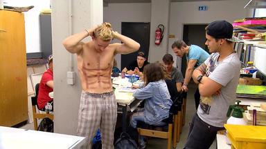 Krass Schule - Die Jungen Lehrer - Six-pack Challenge