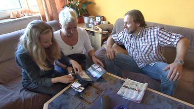 Familien Im Brennpunkt - Junger Vater Leidet Unter Sammelbildchenleidenschaft Seiner Familie